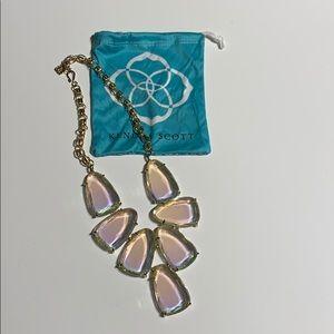 Beautiful iridescent Kendrascott, Harlow necklace